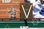 Coupe Suzanne Lenglen Trophy & Louis Vuitton Trunk